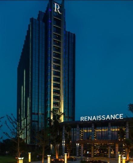 贵阳万丽酒店是美国万豪国际集团2012年全球开业的第一家酒店,也是